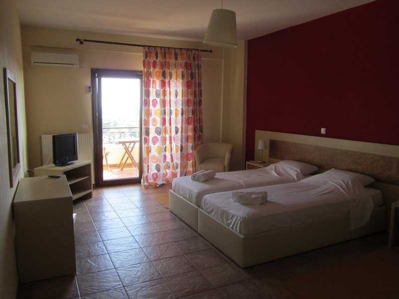 hotel moombean pefkari 2plus2 bed room 7