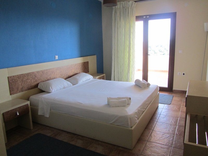 moonbeam hotel pefkari 2plus2 suite apartment 7