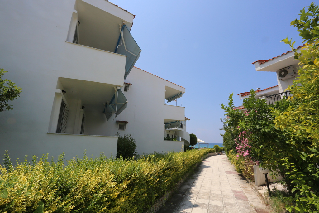 iris apartments fourka kassandra 11