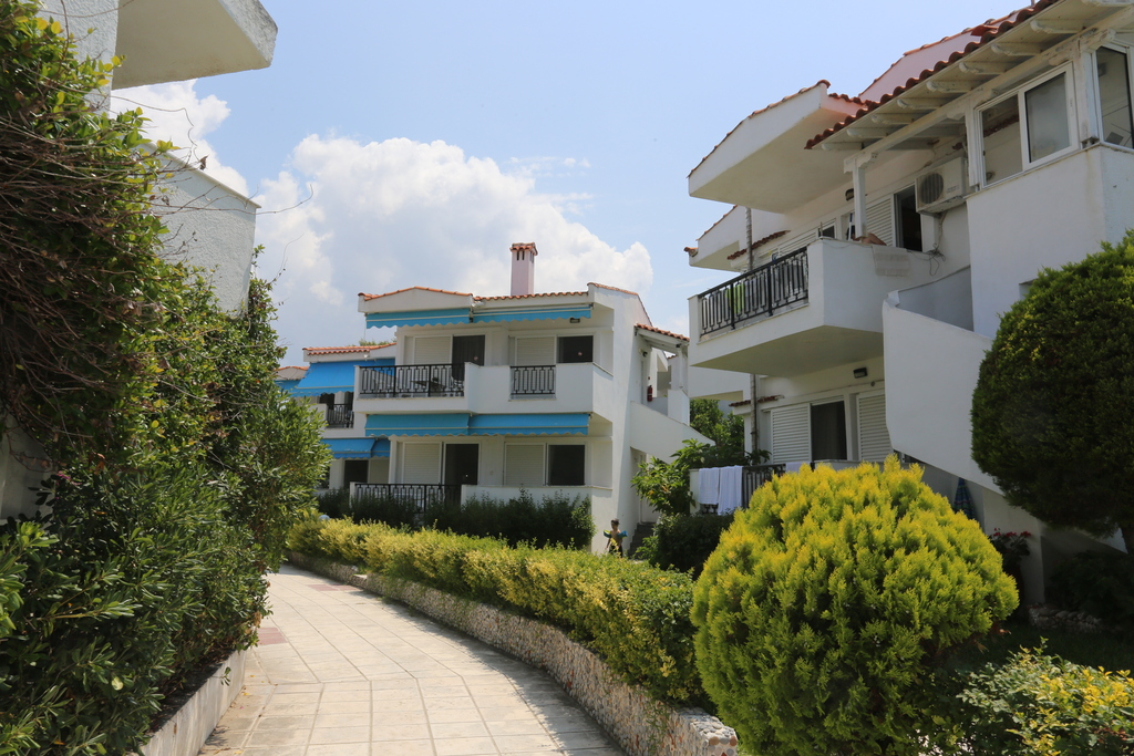 iris apartments fourka kassandra 2
