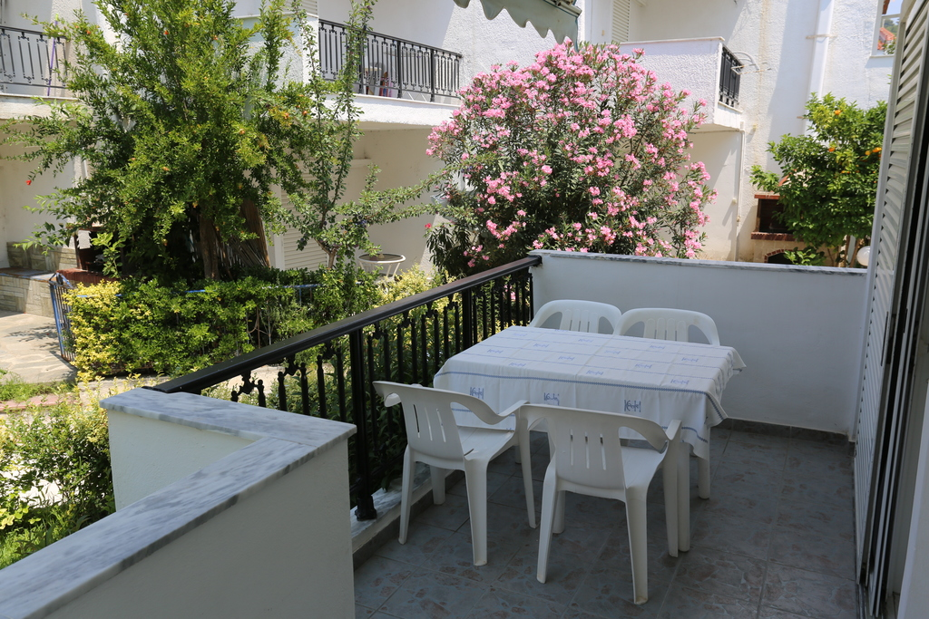 iris apartments fourka kassandra 20