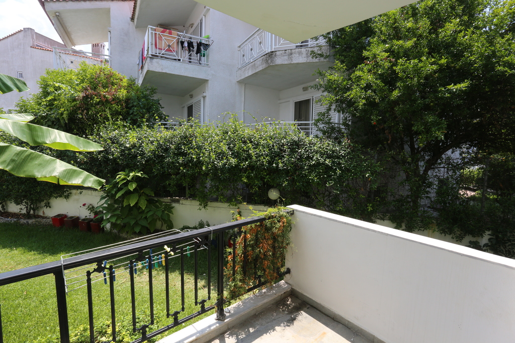 iris apartments fourka kassandra 34