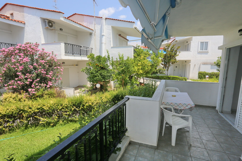 iris apartments fourka kassandra 35