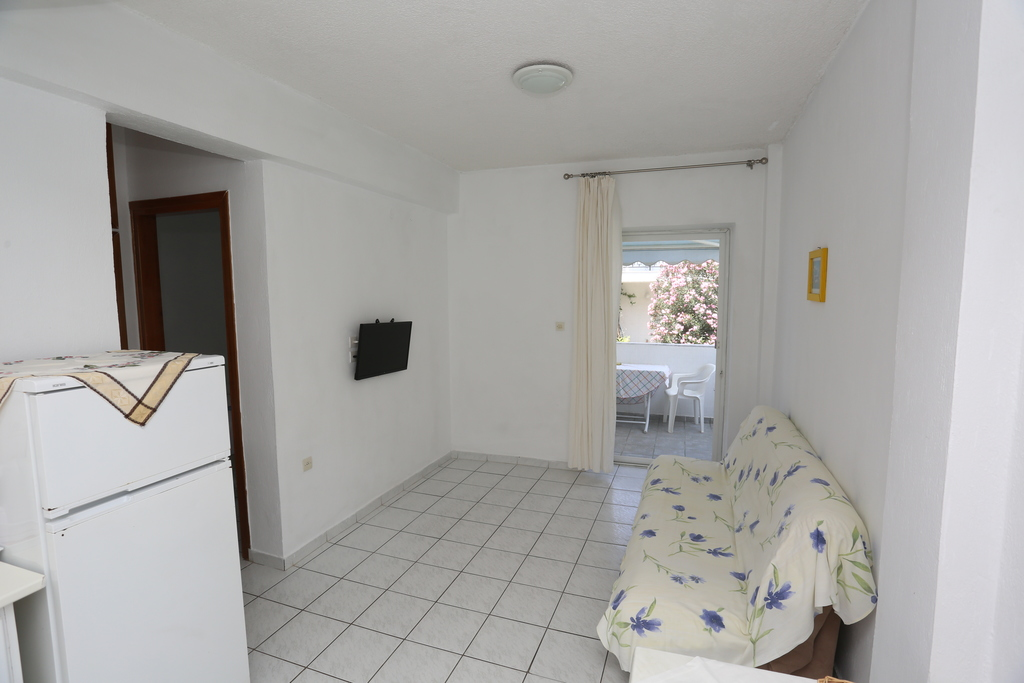 iris apartments fourka kassandra 44