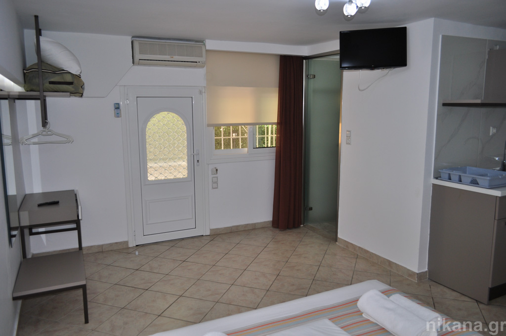 asteria studios potos thassos 4 bed studio (3+1) ground floor  (14)