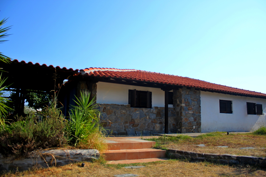 lofos vourvourou sithonia 4 bed stone house 1