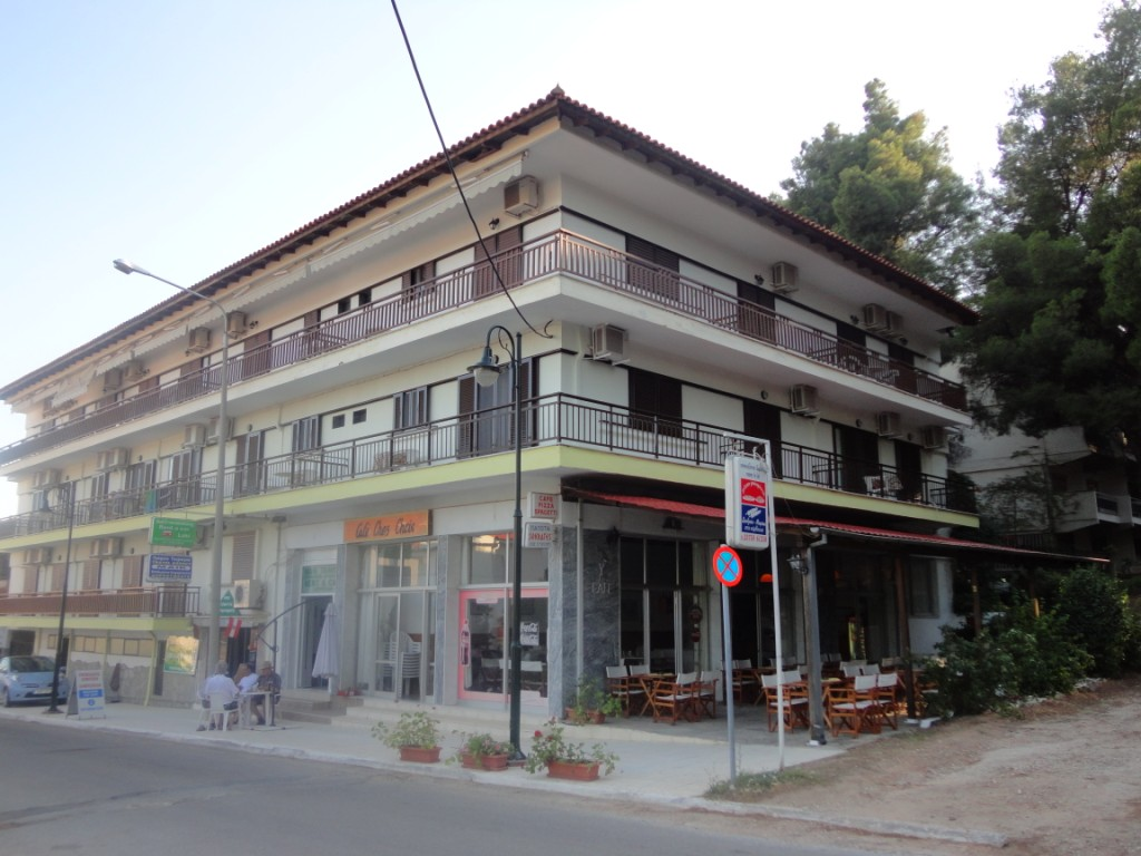 chris apartments metamorfosi sithonia 1