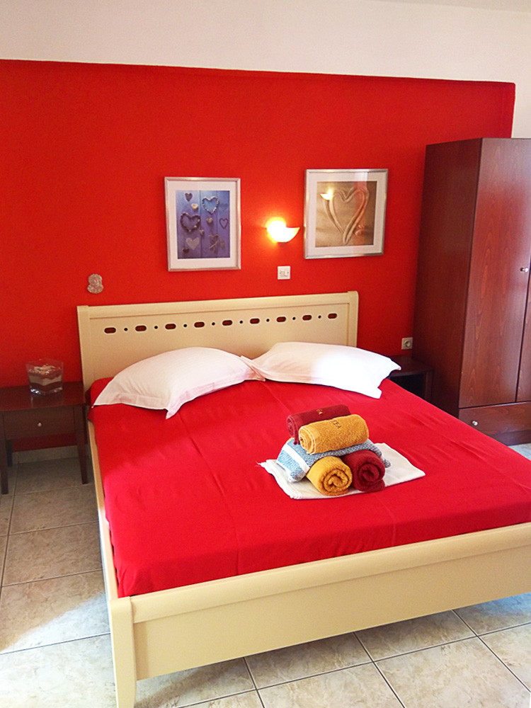 aristea studios sarti sithonia 3 bed studio red no 11 (4)