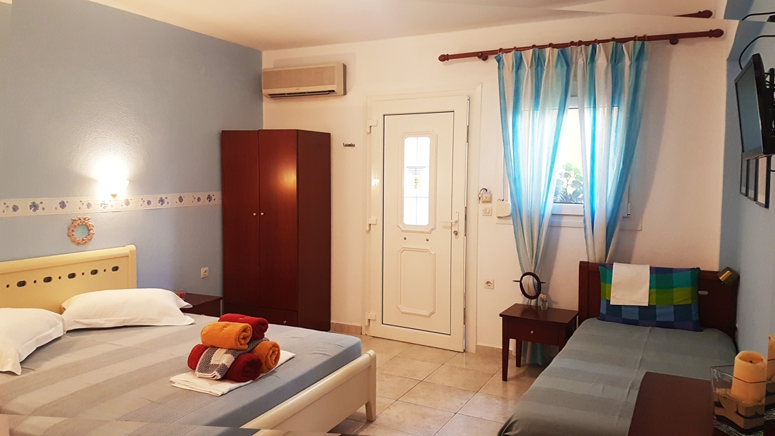 aristea studios sarti sithonia 3 bed studio seabed no 2 (2)