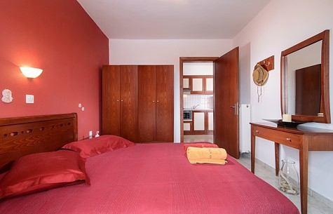 aristea studios sarti sithonia 5 bed apartment wine no 9 (4)