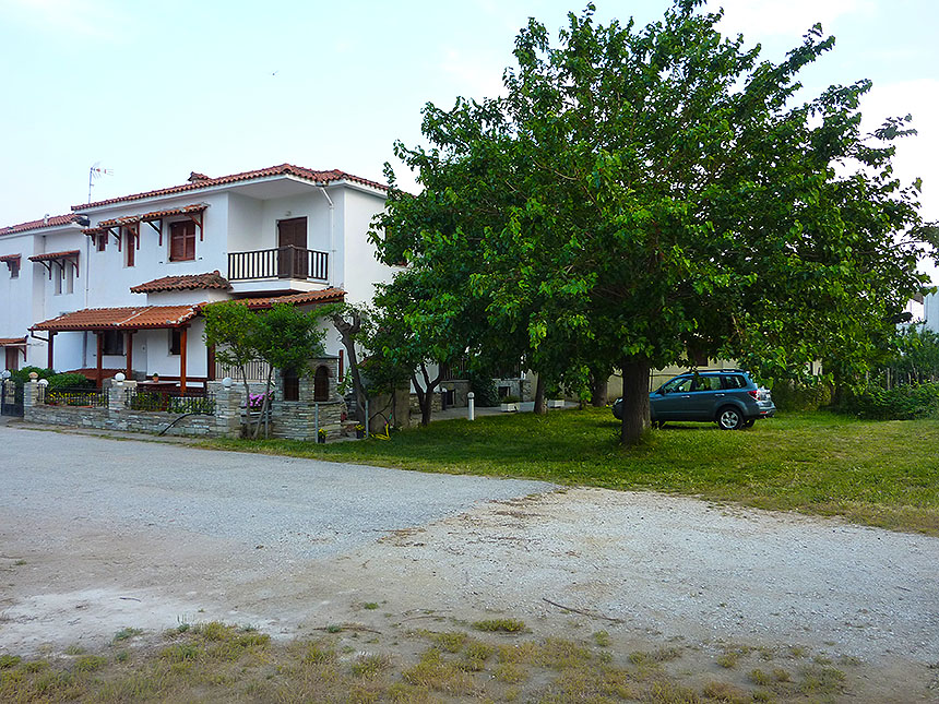 hatzis house nikiti sithonia 5 bed duplex apartment back side 1