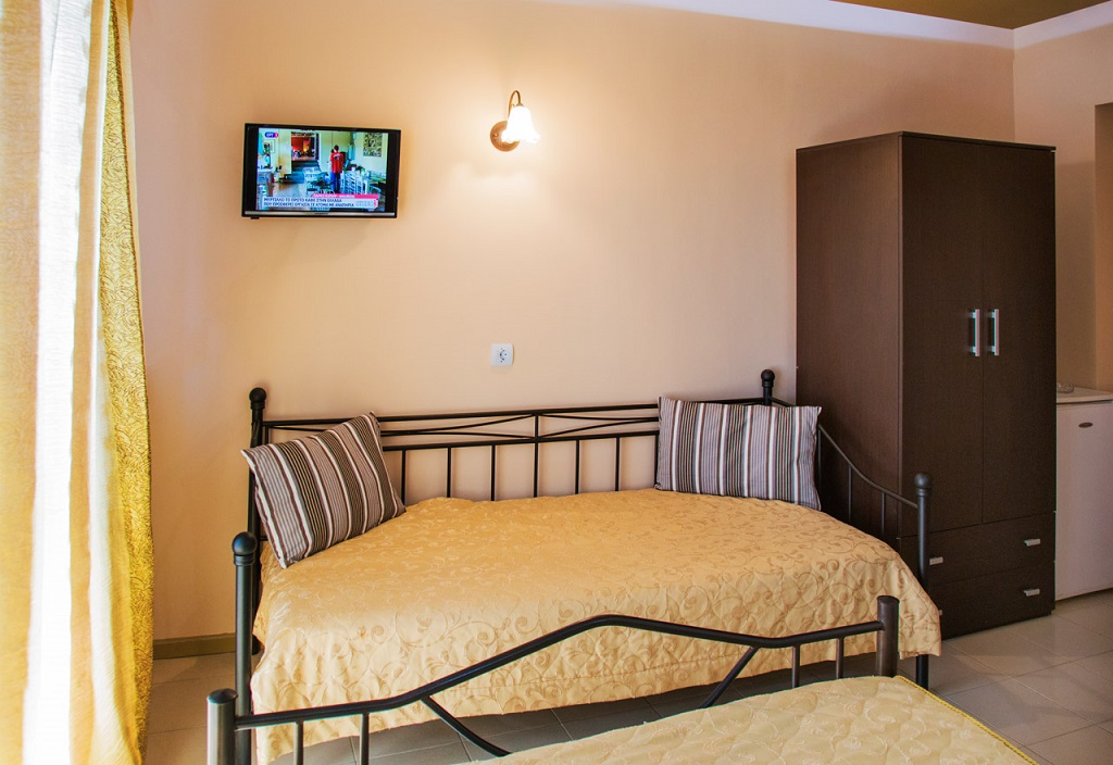 magda rooms neos marmaras sithonia 3 bed studio R 5 (4)