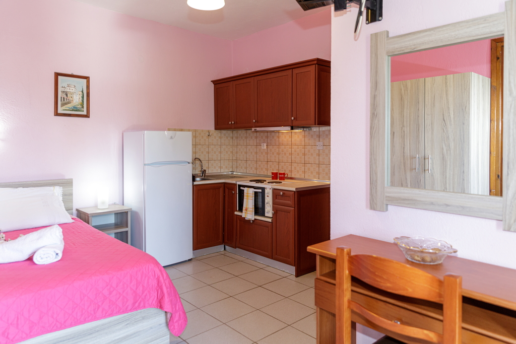 litsa panagi apartments vourvourou sithonia 17