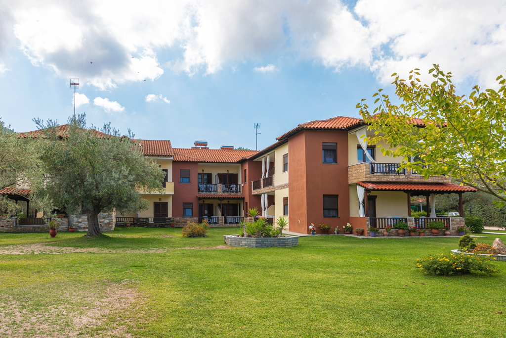 litsa panagi apartments vourvourou sithonia 2
