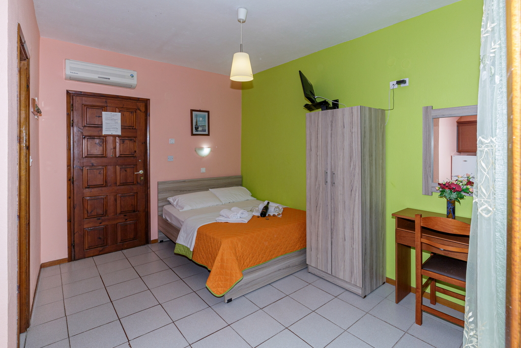 litsa panagi apartments vourvourou sithonia 24