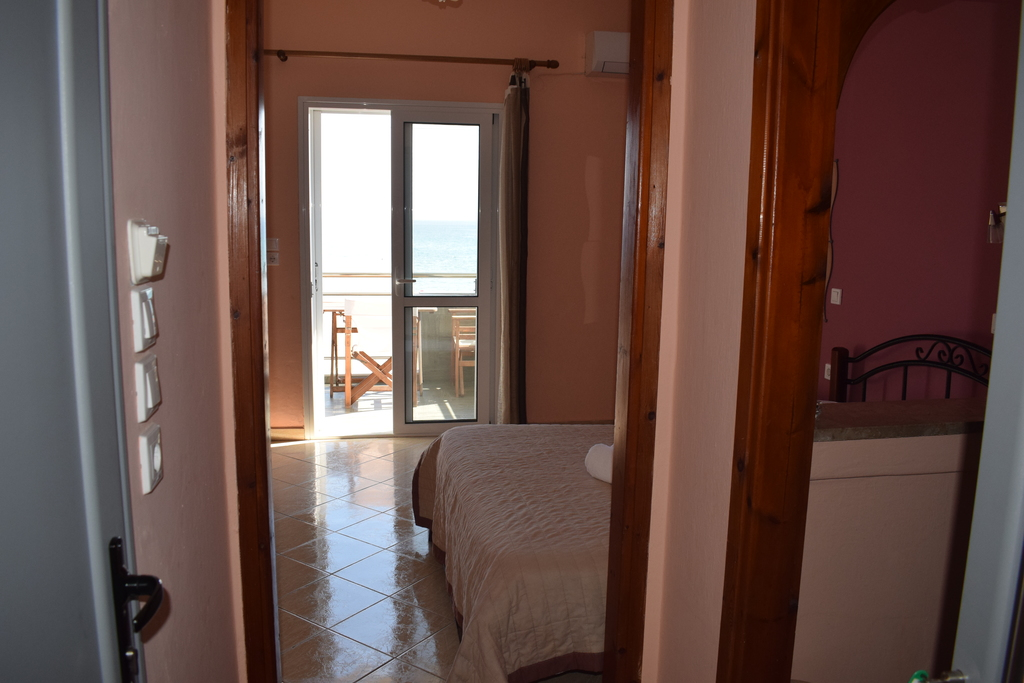 giota house sarti sithonia 3 bed studio 6