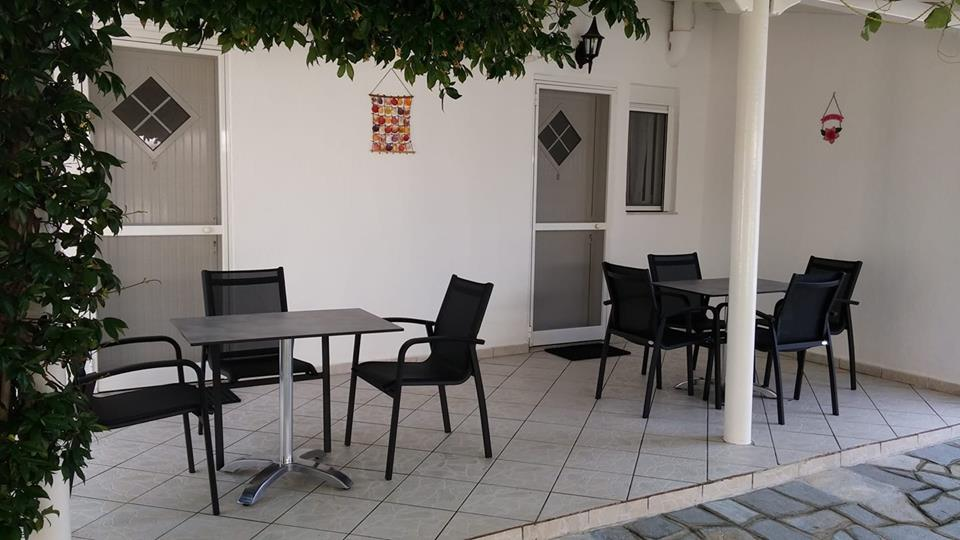 twins house toroni sithonia 3 bed studio small garden view 1