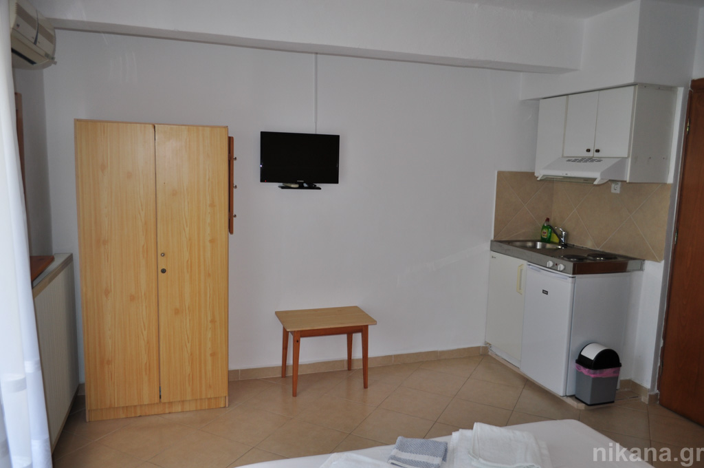 eleni studios skala potamia thassos 2+1 bed studio #4 first floor  (5)
