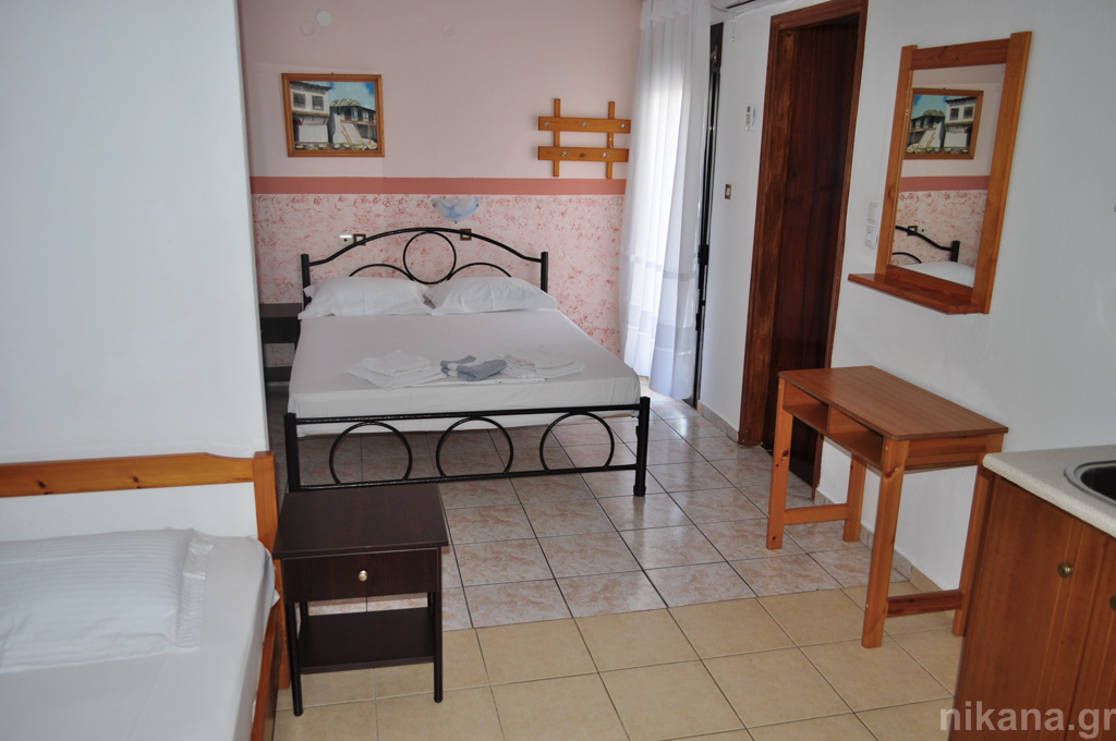 eleni studios skala potamia thassos 4 bed studio #1 first floor  (2)