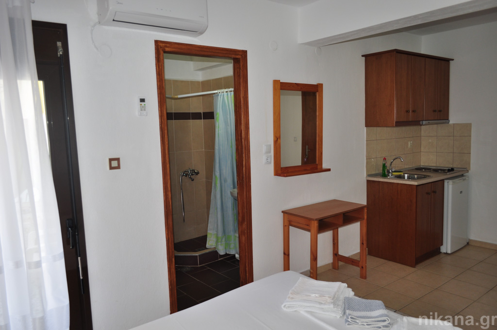 eleni studios skala potamia thassos 4 bed studio #1 first floor  (6)