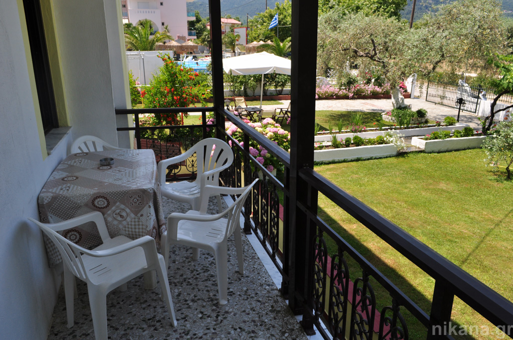 eleni studios skala potamia thassos 4 bed studio #3 first floor  (11)