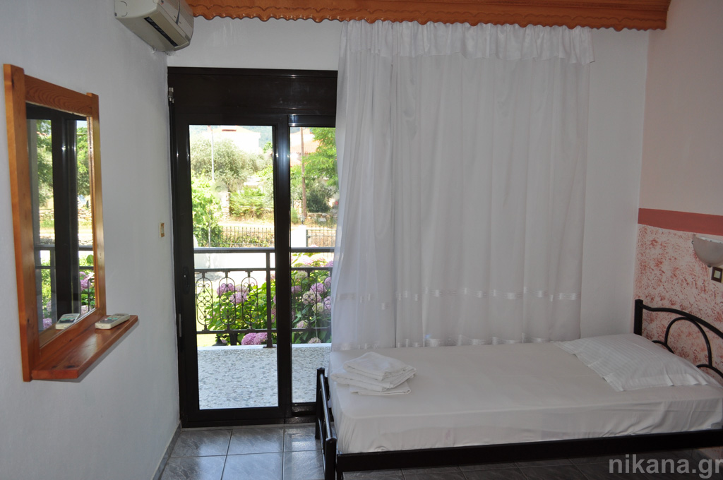 eleni studios skala potamia thassos 4 bed studio #3 first floor  (4)