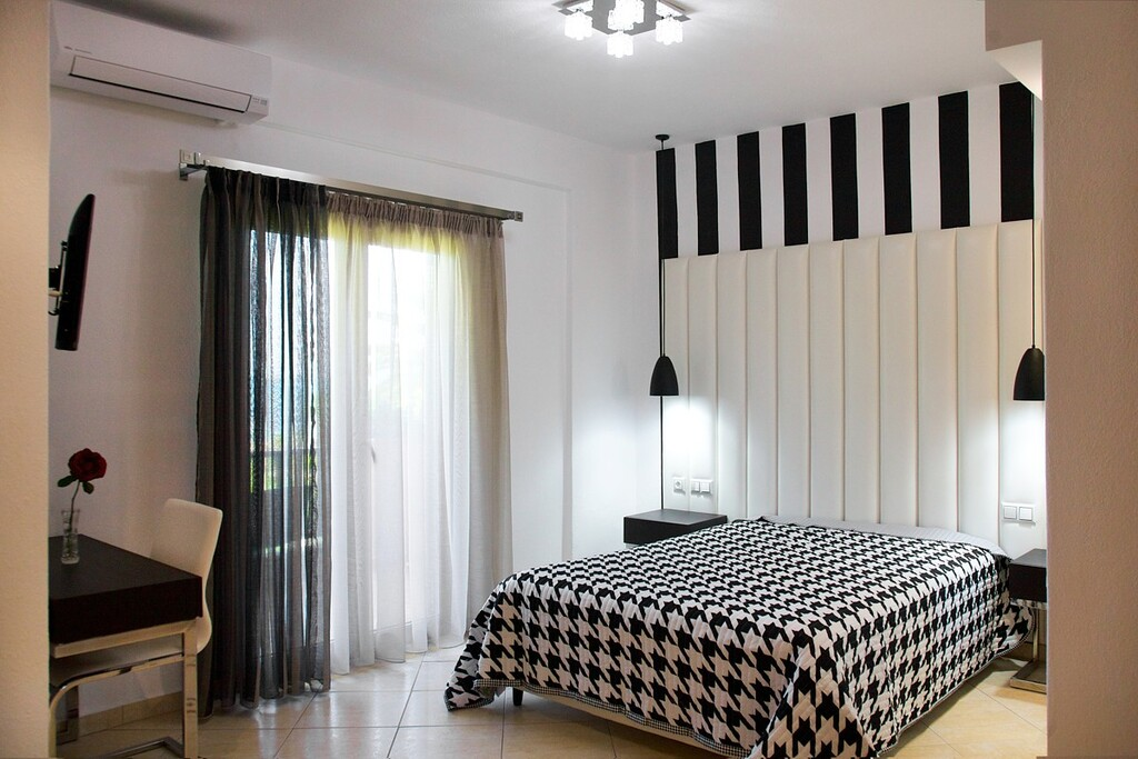 stamos studios apartments vourvourou 2 bed studio no 7 (1)
