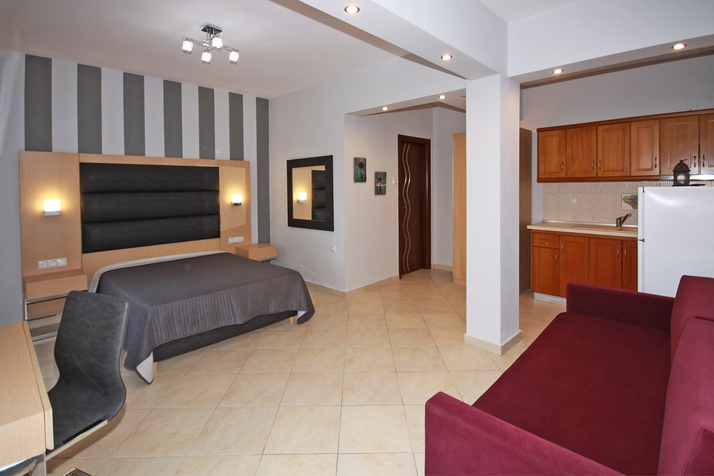 stamos studios apartments vourvourou 3 bed studio no 1 (2)
