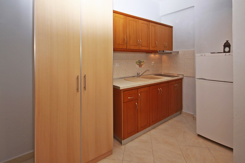 stamos studios apartments vourvourou 3 bed studio no 1 (6)