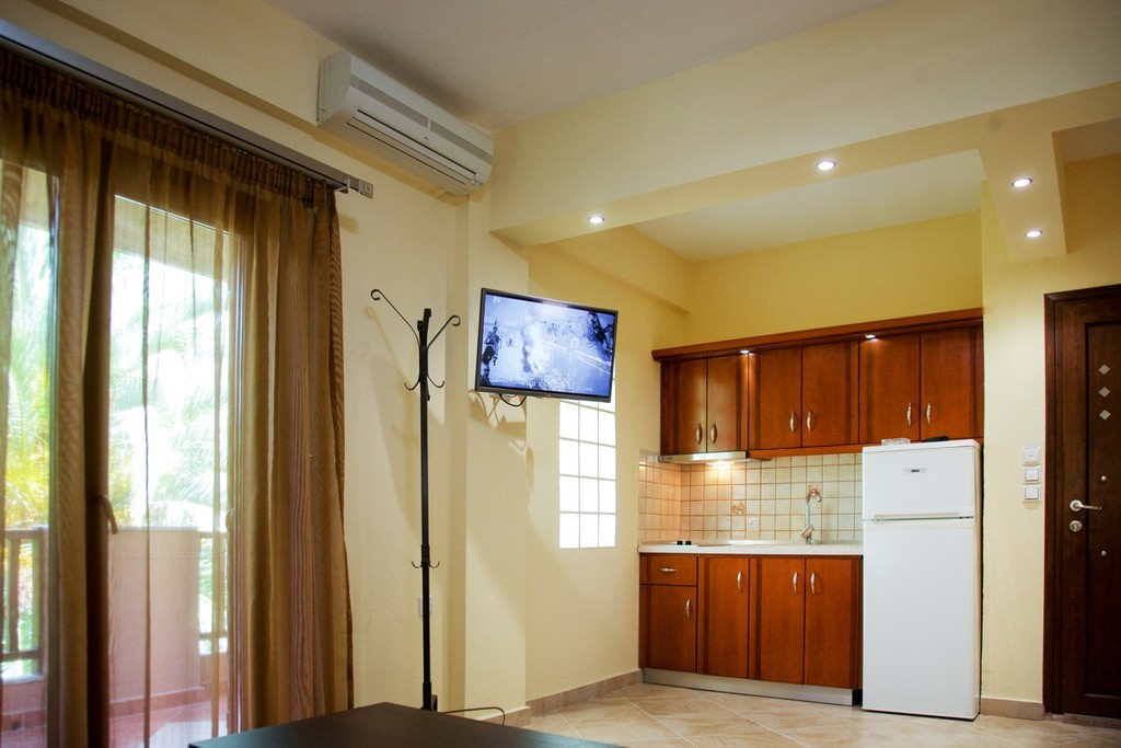 stamos studios apartments vourvourou 4 bed apartment no 4 (3)