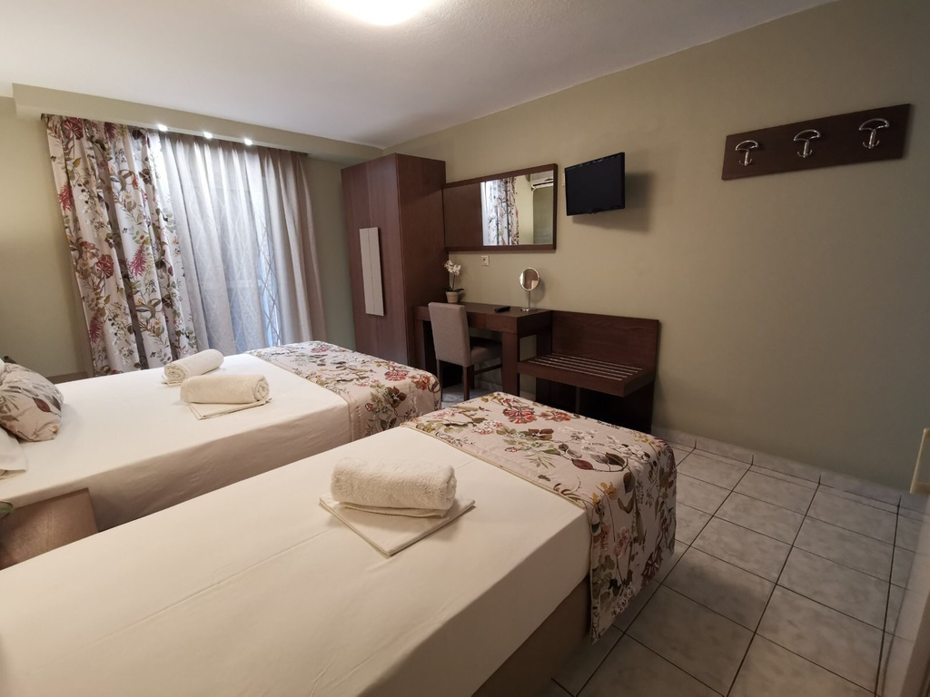 olga hotel sarti sithonia 3 bed studio ground floor
