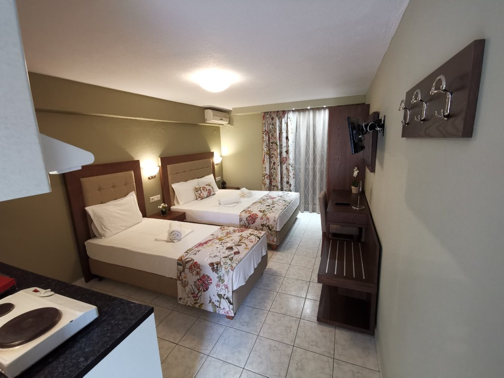 olga hotel sarti sithonia 3 bed studio ground floor 10