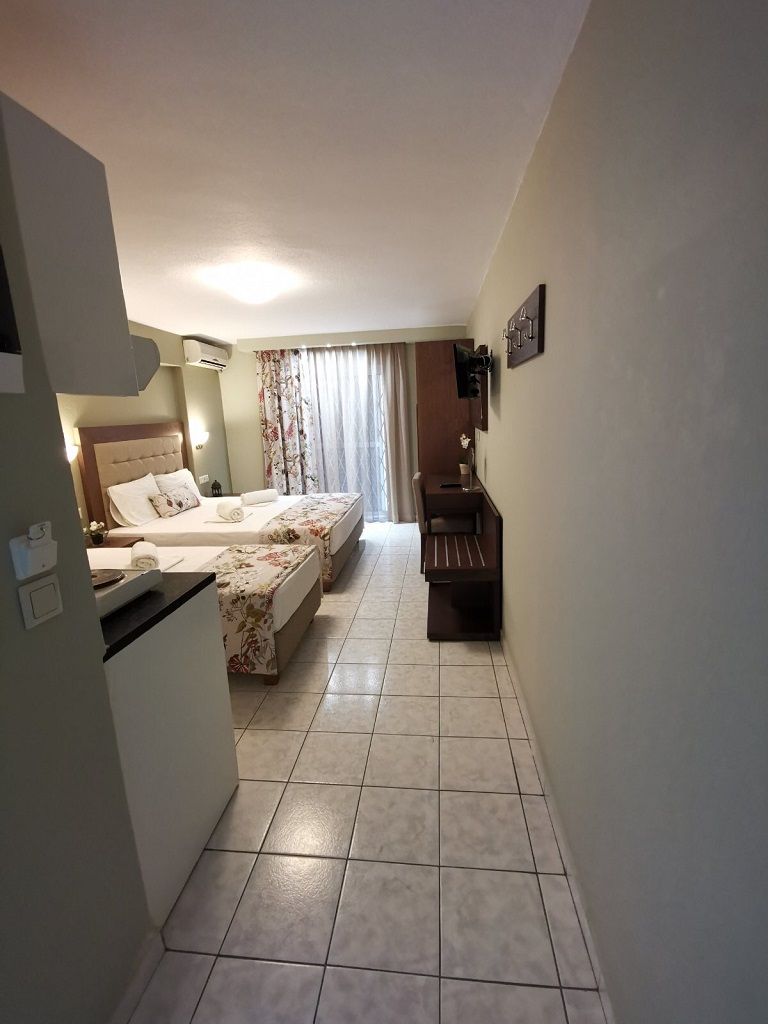 olga hotel sarti sithonia 3 bed studio ground floor 15