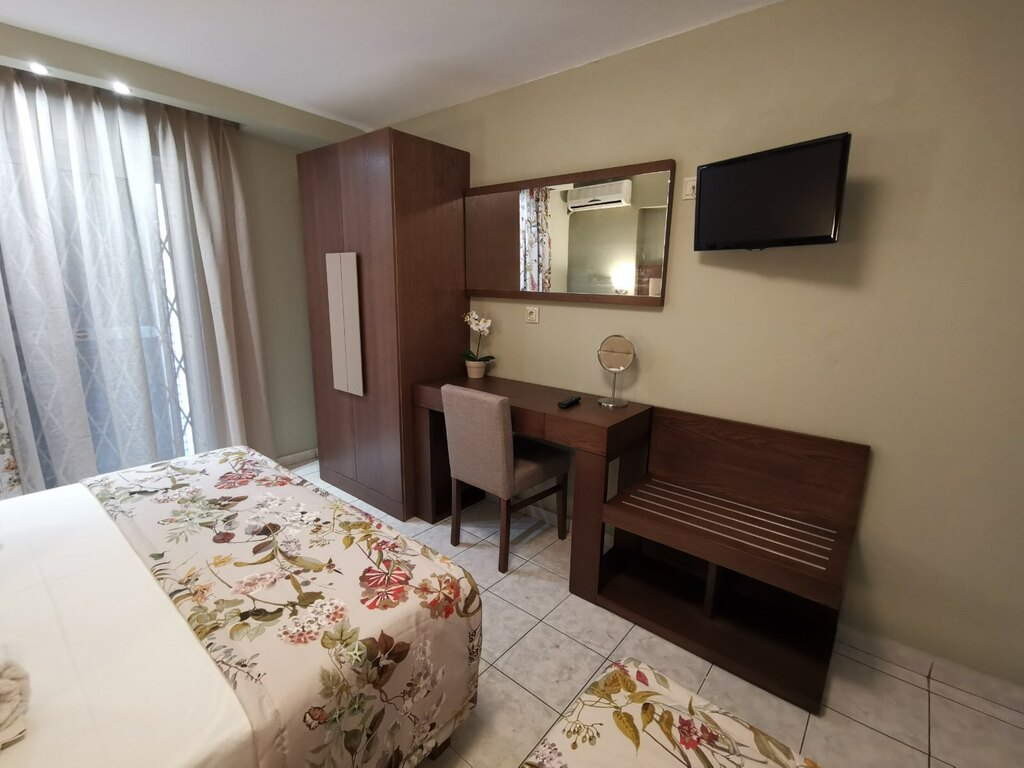 olga hotel sarti sithonia 3 bed studio ground floor 3