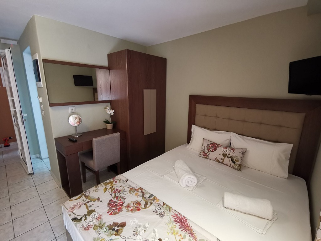 olga hotel sarti sithonia 4 bed studio ground floor 15