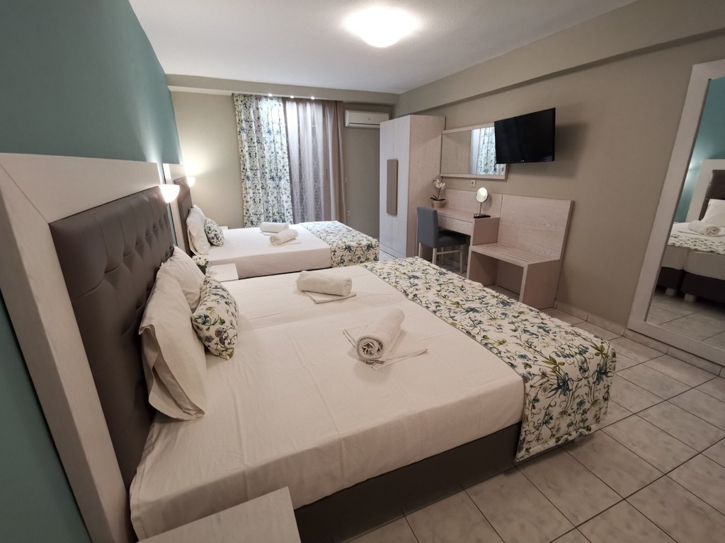 olga hotel sarti sithonia 4 bed studio ground floor 2