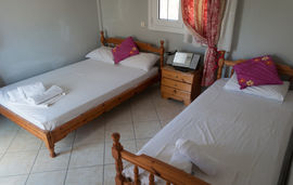 evi room potos thassos 3 bed room  (4)