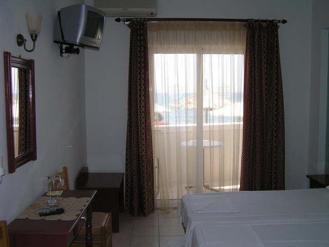 samaras beach limenaria 35 3 bed room sea view