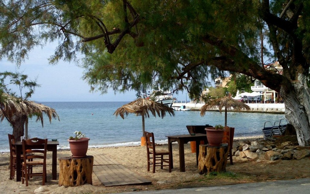 Why choose west coast of Thassos? 3