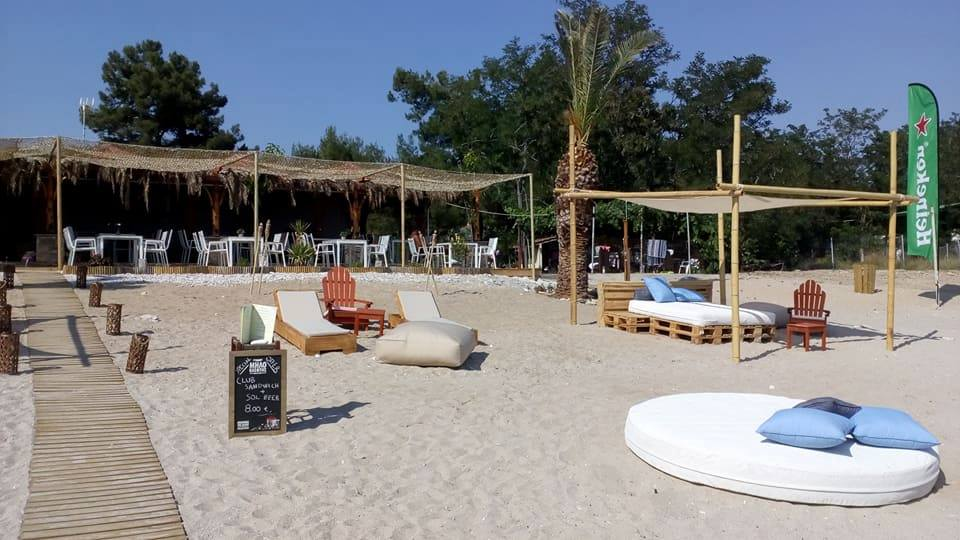 oasis beach bar in pefkari  (10)