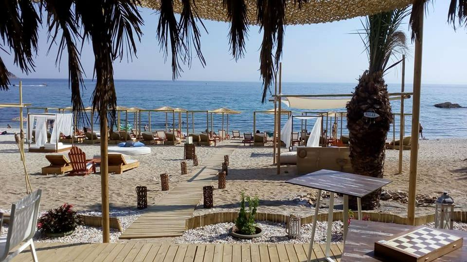 oasis beach bar in pefkari  (6)