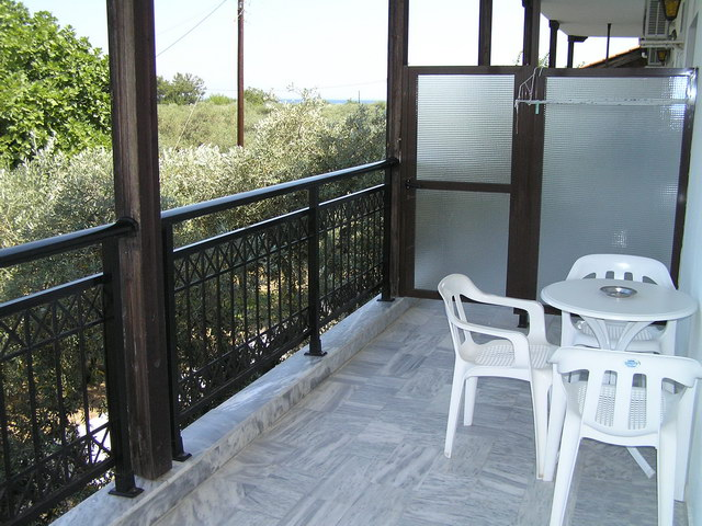 hotel coral skala rachoni 39 2plus2 bed room
