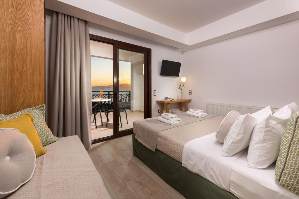 natassa hotel villa pachis thassos 3 bed deluxe room sea view  (2)