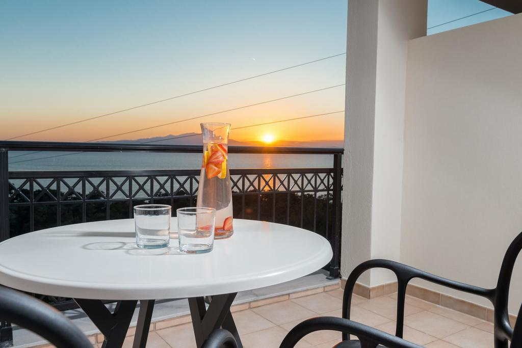 natassa hotel villa pachis thassos 3 bed deluxe room sea view  (5)