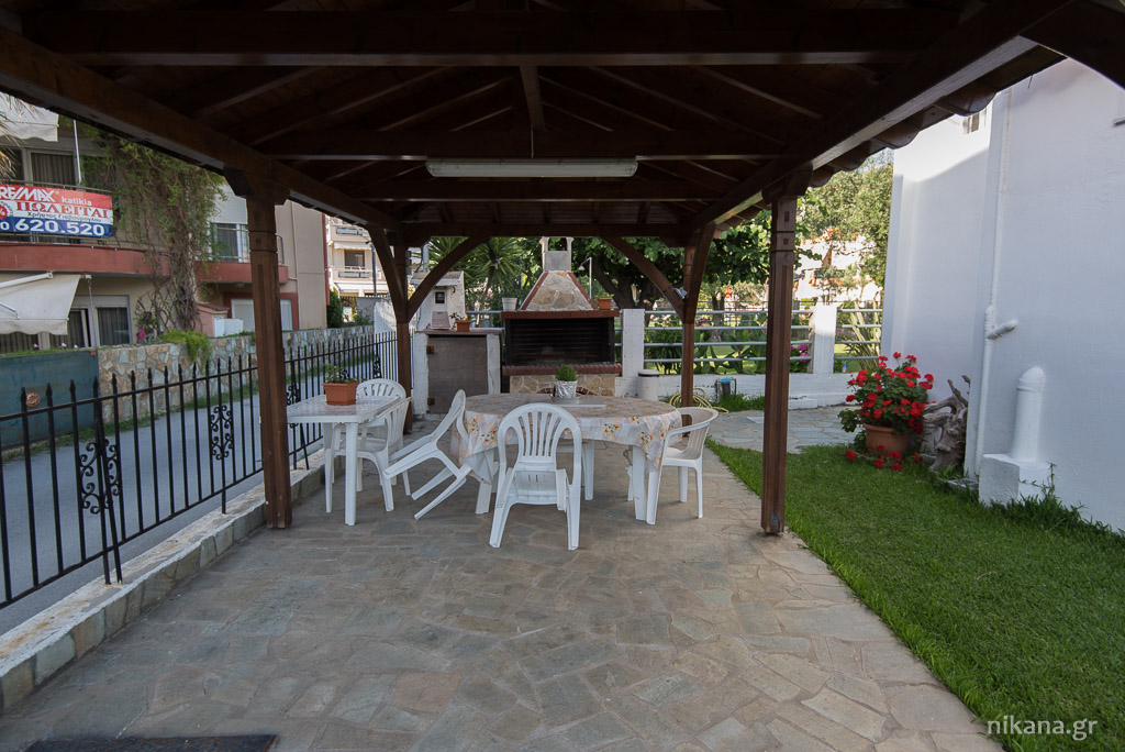 gianna house toroni sithonia barbecue