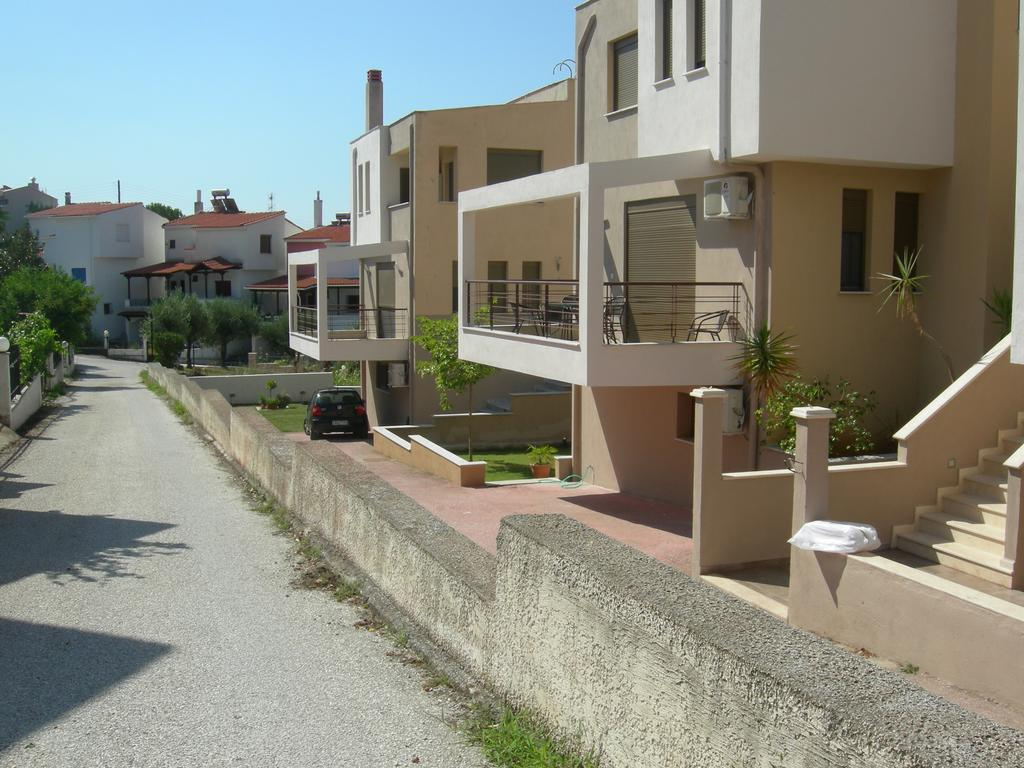 sweet home palio kavala 4+1 bed apartment red  (1)