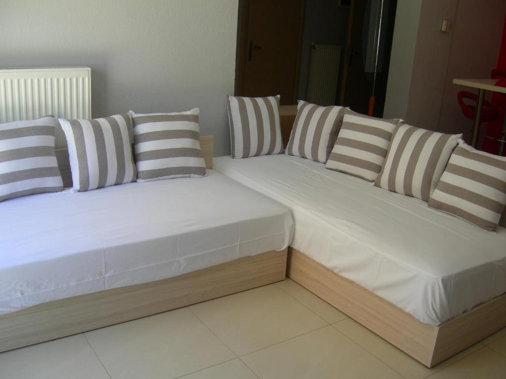 sweet home palio kavala 4+1 bed apartment red  (4)