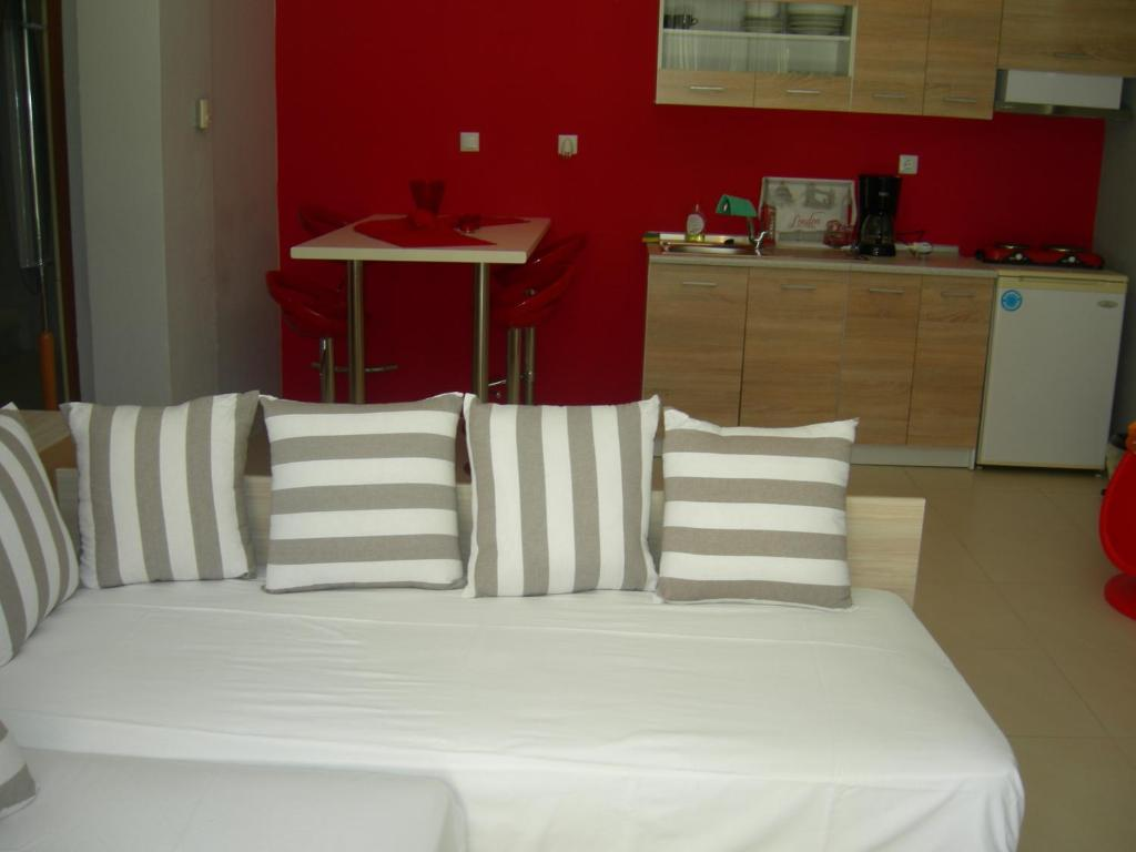 sweet home palio kavala 4+1 bed apartment red  (6)