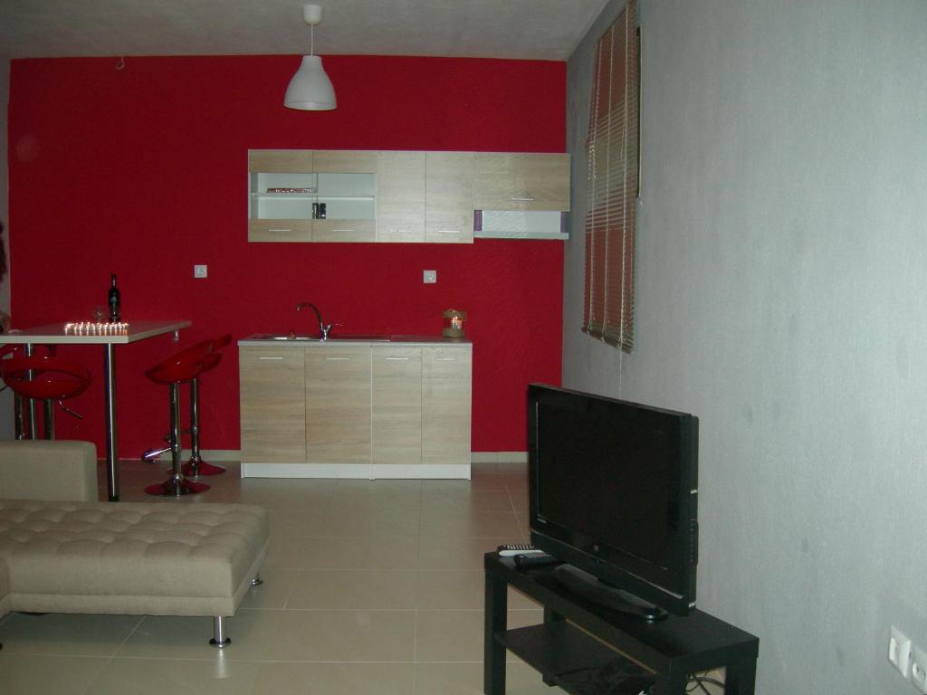 sweet home palio kavala 4+1 bed apartment red  (7)