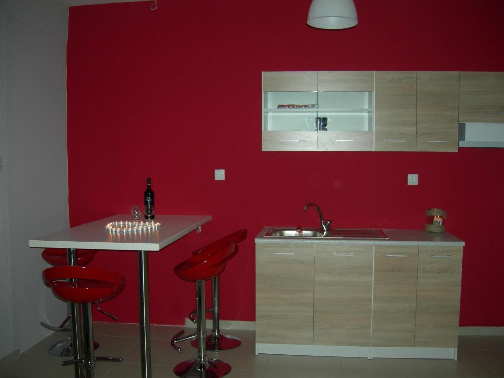sweet home palio kavala 4+1 bed apartment red  (9)